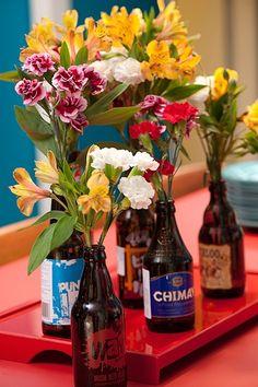Garrafas de cerveja vazias podem voltar � mesa como vasos. Ideia do arquiteto Nelson Kabarite