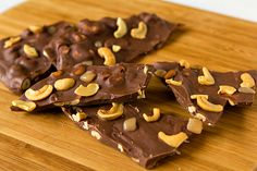 Salted Caramel Cashew Bark from Brown Eyed Baker Yummy Treats, Sweet Treats, Yummy Food, Cake In Cup Microwave, Jello Recipes, Dessert Recipes, Homemade Candies, Sweet And Salty, Just Desserts