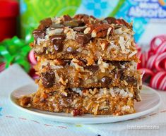 Looking for the best Christmas Cookie Recipes? This great collection of easy, tried and true Christmas Cookie Recipes is perfect for your holiday baking. Magic Cookie Bars, Chocolate Chip Cookie Bars, Cookie Brownie Bars, Cookie Desserts, Cookie Recipes, Magic Bars, Bar Recipes, Cookie Swap, Chocolate Chips
