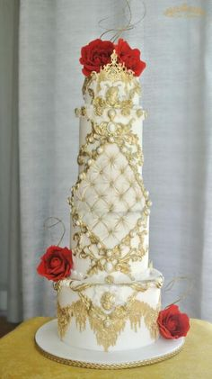 Allow her to transport you to the Baroque period. A period of bold art, romance, passion and drama… Here's wishing you all a fabulous weekend! Gorgeous Cakes, Pretty Cakes, Amazing Cakes, Big Wedding Cakes, Wedding Cake Designs, Cake Design Inspiration, Queen Cakes, Unique Cakes, Elegant Cakes