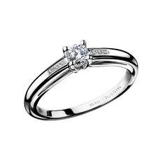 MAUBOUSSIN-Bague Tu es le Sel N.1  Bague solitaire sertie 4 griffes d'un diamant rond de 0,15 carat. Sa monture légèrement incurvée et munie d'un pavage diamants (0,02 carat) met en avant le diamant de taille brillant de couleur H et de pureté SI.  A partir de  795 €