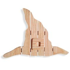 Halloween Wall Décor: Unfinished Wood Pallet Style Witch Hat