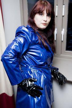 Vinyl Raincoat, Blue Raincoat, Pvc Raincoat, Plastic Raincoat, Rubber Raincoats, Pvc Coat, Rain Wear, Gorgeous Women, Leather Jacket