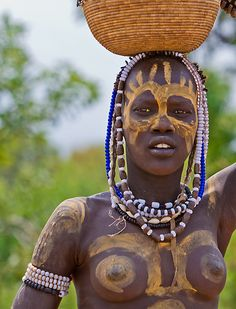 Portrait of a Mursi woman, Ethiopia African Tribes, African Women, African Art, Tribal People, Tribal Women, Cultures Du Monde, World Cultures, We Are The World, People Around The World