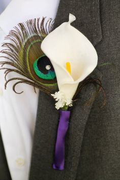 Peacock Boutonniere ~ Calla Lily Boutonniere ~ Purple Wedding Boutonniere ~ Calla Lily Corsage ~ Groomsmen, Best Man, Groom Accessories