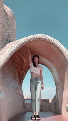 Blackpink Jennie, Blackpink Fashion, Korean Fashion, Kpop Girl Groups, Kpop Girls, Blackpink Photos, Pictures, Kim Jisoo, Black Pink Kpop