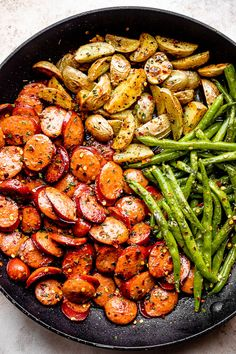 Spicy, smoky, and savory, Smoked Sausage with Potatoes and Green Beans cooks up in one skillet in less than 30 min. It's a perfect weeknight dinner idea! Healthy Chicken Dinner, Easy Healthy Dinners, Healthy Dinner Recipes, Vegetarian Recipes, Cooking Recipes, Tasty Healthy Meals, Weeknight Recipes, Food Dinners, Meal Recipes