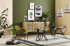 The heat is certainly on today! Create your summer oasis with the Dulux colour trend for summer Interiors are inspired by a global flavour with adventurous and exotic colours. Dulux colours featured are and derived from the Entwine colour palette Living Room Green, Green Rooms, Bedroom Green, Living Room Paint, Bedroom Wall, Living Room Decor, Bedroom Decor, Interior Color Schemes, Green Interior Design