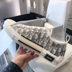 Best Casual Wear For Men, Dior Sneakers, Vintage Sneakers, Going On Holiday, Sneakers For Sale, Men's Shoes, Louis Vuitton, Luxury, Shopping