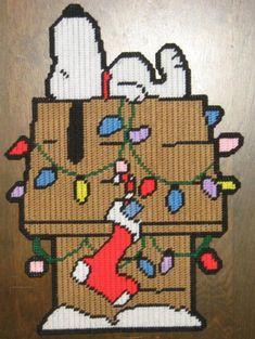 Plastic Canvas Ornaments, Plastic Canvas Tissue Boxes, Plastic Canvas Christmas, Plastic Canvas Crafts, Snoopy Christmas, Christmas Crafts, Xmas, Christmas Tree, Needlepoint Patterns