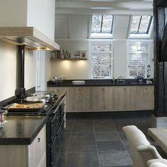 Home country kitchen landelijke keuken on pinterest aga interieur and grey kitchens - Moderne keuken deco keuken ...