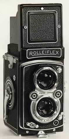 Rolleiflex twin lens box camera.   Photo: indulgy.com/post/cameras