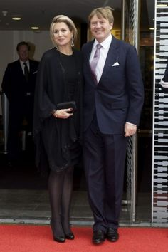 Máxima in a full black outfit. Click on the image to see more looks.