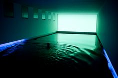 James Turrell, Baker Pool, ן From Turrell to Hockney, 8 Artists Who Designed Extraordinary Swimming Pools James Turrell, Exposition Photo, Light And Space, To Infinity And Beyond, Cool Pools, Land Art, Pool Designs, Neon Lighting, Light Art