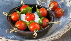Tomaten mozzarella spiesjes