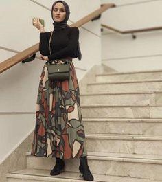 Hijab Fashion 361413938848360143 - Trendy Skirt Pleated Outfits Modest Fashion Source by deematawil Modest Fashion Hijab, Modern Hijab Fashion, Street Hijab Fashion, Casual Hijab Outfit, Muslim Fashion, Hijab Chic, Islamic Fashion, Hijab Mode, Mode Abaya