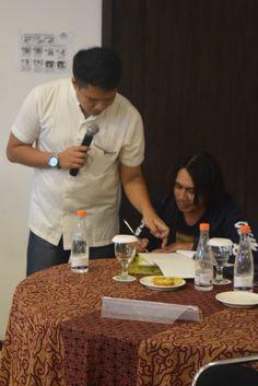 Memberi Pengarahan Kepada Peserta Workshop AMC Reguler Bandung