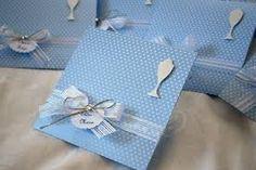 Resultado de imagem para convites de comunhão em scrap Scrap, Gift Wrapping, Gifts, Invitations, Gift Wrapping Paper, Favors, Tat, Gift Packaging, Presents