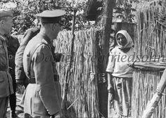 https://flic.kr/p/Jv6gKx   11. Mareşalul Ion Antonescu de vorbă cu o ţărancă din ţinutul eliberat...