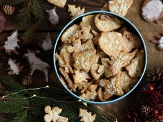 Christmas gingerbreads, ginger cookies, christmas cookies Christmas Gingerbread, Christmas Cookies, Christmas Loading, Ginger Cookies, Stuffed Mushrooms, Vegetables, Cooking, Recipes, Food