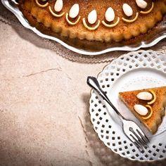 Χαλβάς νηστίσιμος / Fasting halva. Σπιτικός, νηστίσιμος, αυθεντικός χαλβάς, εύκολα και γρήγορα! #millsofcrete #halva #greekrecipes #greekhalva #greekfood #easter #χαλβας #πασχα #πασχαλινεςσυνταγες #νηστισιμοςχαλβας #νηστισιμες συνταγες #fasting Easter Recipes, Apple Pie, Desserts, Food, Tailgate Desserts, Deserts, Meals, Dessert, Yemek