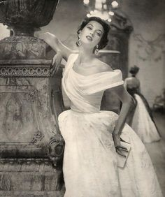 Barbara Mullen for Vogue 1953 Photo by Roger Prigent