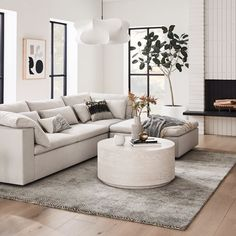 White Couch Living Room, Small Living Rooms, Living Room Modern, Home Living Room, Apartment Living, Living Room Designs, Apartment Couch, Modern Minimalist Living Room, Minimal Living