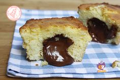 PLUMCAKE SOFFICE CON NUTELLA CREMOSA - ALLACCIATE IL GREMBIULE Ho Ho Cake, Sweet Recipes, Cake Recipes, Sicilian Recipes, Plum Cake, Nutella Recipes, Buttercream Cake, Something Sweet, Cake Pans