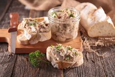 The easiest way to make rillettes is in your slow cooker — The Takeout Pork Recipes, Cooker Recipes, Crockpot Recipes, Cretons Recipe, Brunch Recipes, Appetizer Recipes, Appetizers, Canadian Dishes, A Food