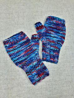 Fingerlose Handschuhe für Kleinkinder in verschiedenen Rot- und Blautönen, handgefärbte Merino-Schurwolle, handgestrickt von mir, garantiert ohne