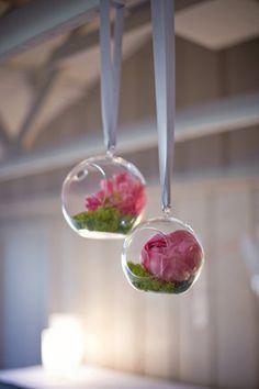 Boules de verre fleuris