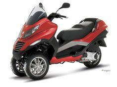Front Dual Wheel Trikes | Piaggio Three Wheeler Photo courtesy of Piaggio. Ran on: 03-03-2007 ...