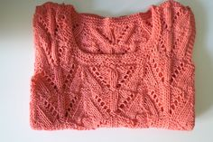 Gorgeous lace knit top! or Pitsineuletoppi in Finnish. The Finnish-language pattern can be found from Novita: http://www.novita.fi/cms.php?cms_cname=neulemallisivu&nlm_id=96431