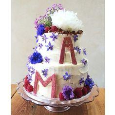 bespoke cake www.lilyvanilli.com