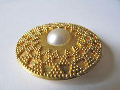 Caroline Friedli, granulation or fin et perle Brooches, Crochet Earrings, Jewels, Contemporary, Simple, Artist, Silver, Bijoux, Brooch