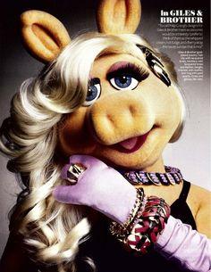 piggy glam...that's right! One of my sheros. Ms. Piggy kicks butt. Hiya!