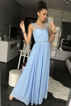 Long evening dress, very high quality, hand-worked. Warranty 3 years. Fashion Paris, it's clear moon shop France