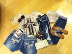 A cute weekend outfit for any women! Summer Clothes, Summer Outfits, Miss Me Outfits, Weekend Outfit, Rock Revival, My Outfit, Abs, Women's Fashion, Sunglasses