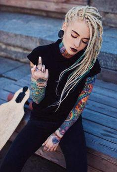 37 Latest Ear Piercing Ideas For Women Style Tattoo Girls, Boy Tattoos, Tatoos, Bantik Boy, Rasta Hair, Dreadlocks Girl, Tattoed Women, Photographie Portrait Inspiration, Full Body Tattoo