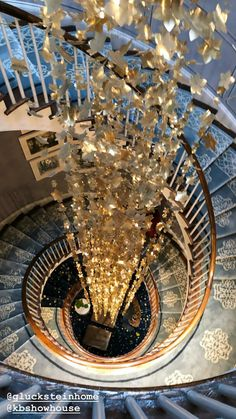 Hanging Crystals, Buildings, Chandelier, Ceiling Lights, Lighting, Home Decor, Light Fixtures, Ceiling Lamps, Chandeliers