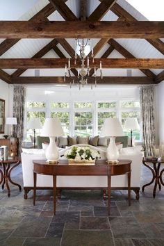 Cozy farmhouse living room decor ideas (58)