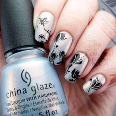 I've got the soft and delicate [Pearl Jammin'] #ChinaGlaze polish from the fall collection, paired with some floral stamping, blog post is up now! On Tumblr