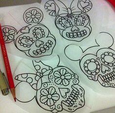 Minnie and Mickey Mouse  dia de los muertos