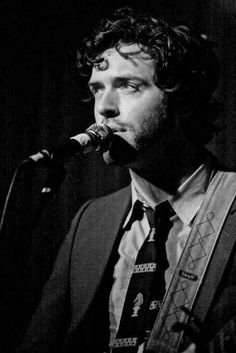 Brendan Hines from the tv show 'lie to me' .love his curly mop. Love Him, I Love You, My Love, Brendan Hines, Lie To Me, Marry Me, Eye Candy, Tv Shows, Curly