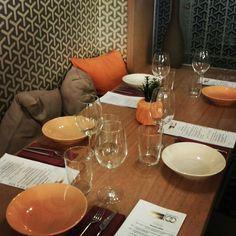Un rincón especial en #serrano #RESTAURANT #CLUB #serrano100 www.serrano100.com  #barriosalamanca #madrid #calleserrano #dinner #cenas #tataki #chef #tartar #menu #menufindesemana #s100 #vino #mahou #desperados #alhambra #melquior #salmon #coctel #coctail #wine #beer #gintonic #gin #jamon #restaurant #rrstaurante by serrano100_rest
