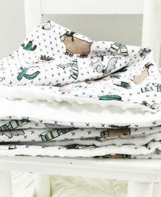 Slightly bigger then cot size, beautiful a soft. Made to order! Cot, Mantle, Etsy Seller, Blanket, Trending Outfits, Handmade, Beautiful, Crib Bedding, Hand Made