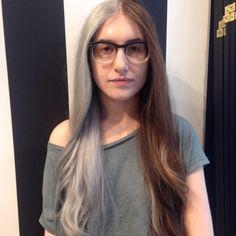 Fällt beim Friseur die Wahl zwischen zwei Haarfarben schwer? Dann nehmt doch beide!