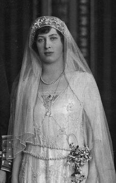 princess mary countess of harewood - Bing images Royal Brides, Royal Weddings, Vintage Weddings, Harlem Renaissance, Princess Victoria, Princess Mary, Victoria Reign, Queen Victoria, Royal Family Portrait