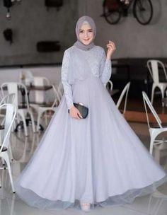 Dress Brokat Remaja 67 Ideas For 2019 Hijab Gown, Kebaya Hijab, Hijab Dress Party, Hijab Style Dress, Kebaya Dress, Dress Outfits, Kebaya Muslim, Dress Shoes, Trendy Dresses