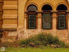 Tündérmesébe illő magyar kastély, aminek nincs párja a világon | DELUXE MAGAZIN Hungary, Garage Doors, Outdoor Decor, Instagram, Home Decor, Decoration Home, Room Decor, Home Interior Design, Carriage Doors